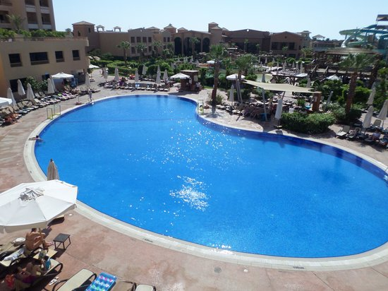 Coral Sea Aqua Club Resort: view as we opened hotel room door :(