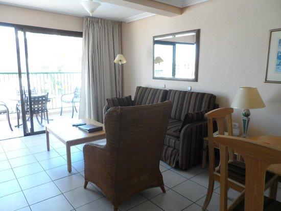 Sunset Bay Club: living area