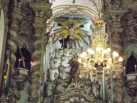 Igreja de São Francisco de Assis: imagens do altar