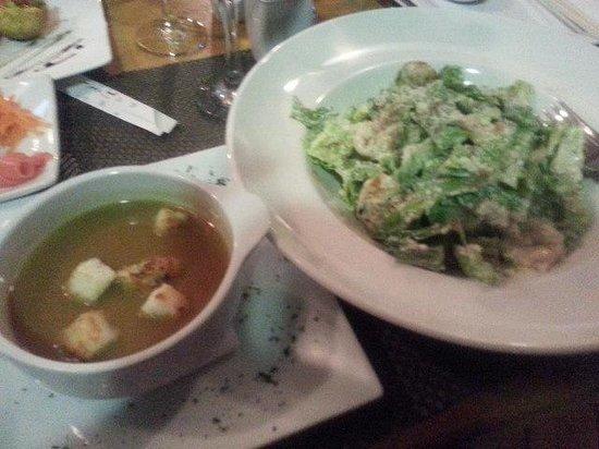 Citrus Restaurant: Caesar salad and lobster bisque