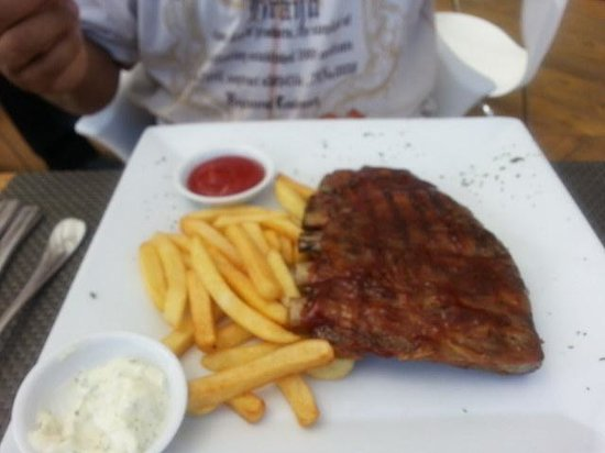 Citrus Restaurant: Ribs and fries