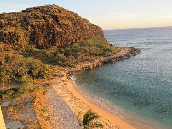 Hawaiian Princess Resort: View from room of beach