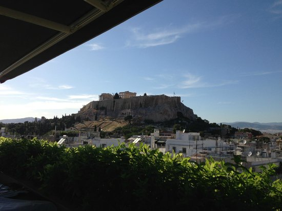 The Athens Gate Hotel: View from rooftop restaurant. Great complimentary continental breakfast and evening drinks.