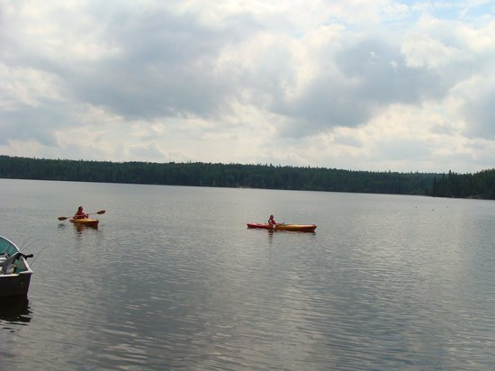 Rainbow Point Lodge: Peaceful kayak experience