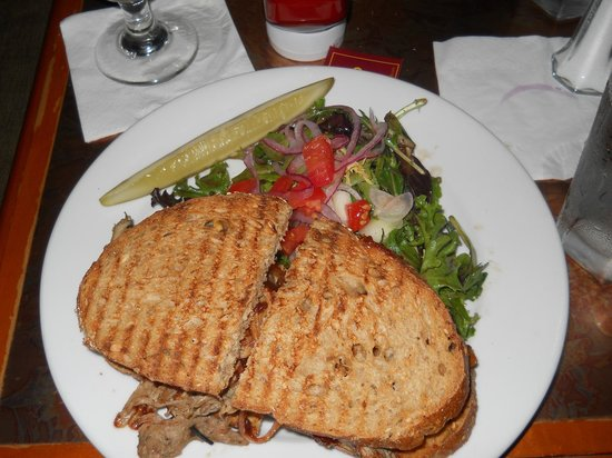 Left Bank Bistro: pulled pork panini