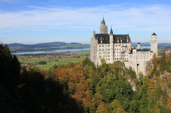 how to get to neuschwanstein castle from munich
