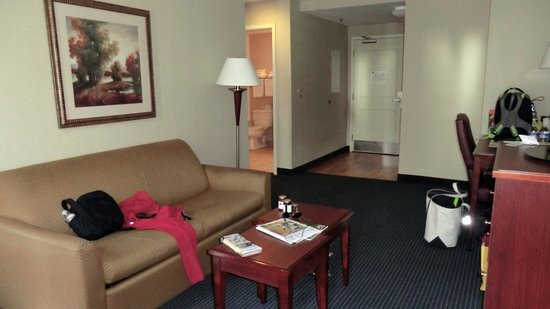 Mainstay Suites Dover: Room 210A