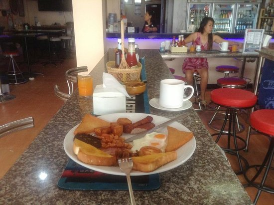 The Irish Rovers Guest House: The Breakfast