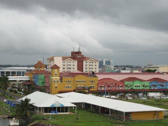 Radisson Colon 2000 Hotel & Casino : View of hotel from cruise ship