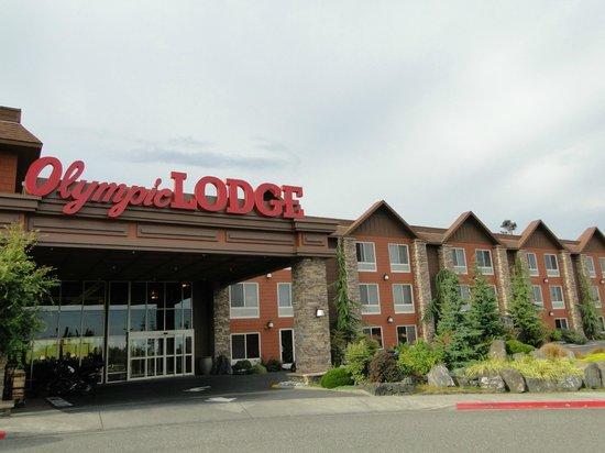Olympic Lodge: La entrada del hotel