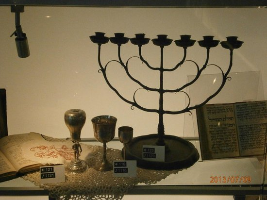 Los Angeles Museum of the Holocaust: Shabbat candle holder, kiddish cups