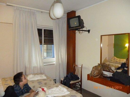 Hotel Sussex Cordoba: Habitación