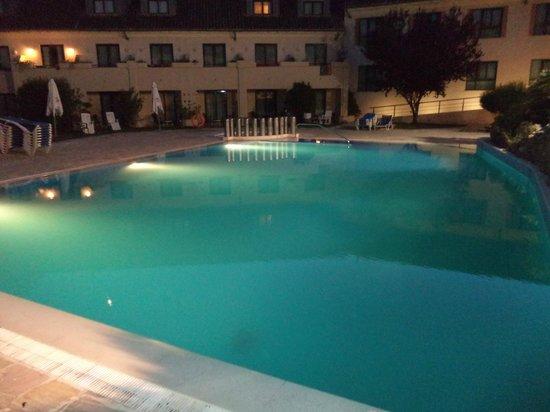 Hotel Antequera: Piscina Exterior
