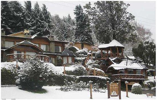 Bungalows La Caleta: Frente nevado