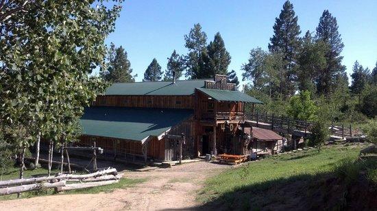 4D Longhorn Guest Ranch: The Main Lodge