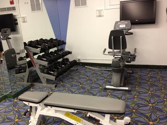 Courtyard Miami Beach South Beach: gym