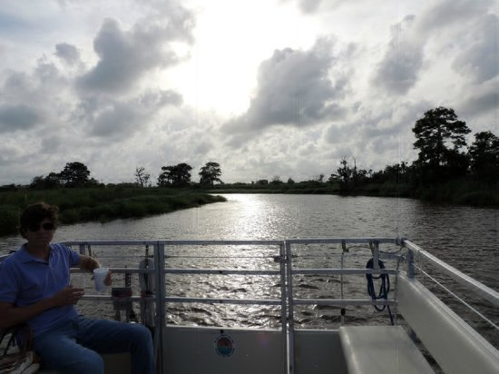 Darien River Wine and ECO Cruise: The Darien River close to sunset
