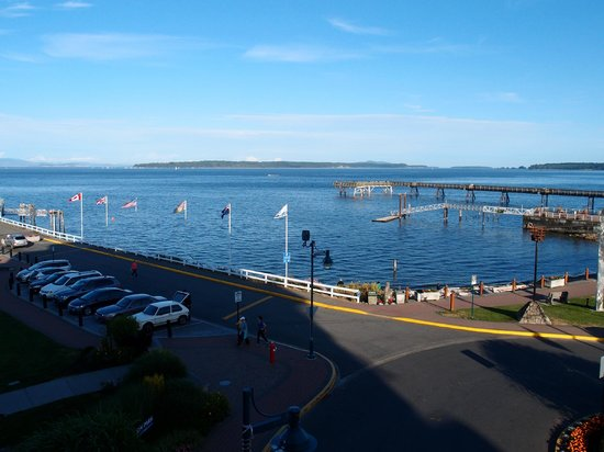 The Sidney Pier Hotel & Spa : View from room to right