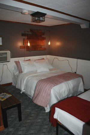Lake Ocoee Inn & Marina: Motel Room 2