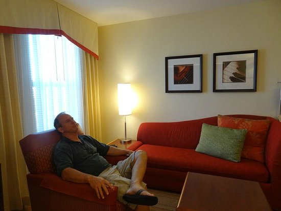 Residence Inn San Diego North/San Marcos: My husband was very comfortable, didn't want to leave the hotel room.