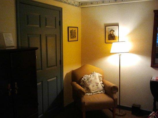 Colonial House Inn: Room