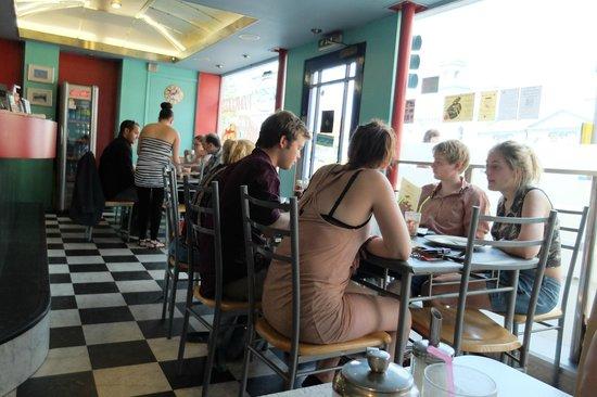 Warsaw Diner : Filling up on a Saturday for brunch!