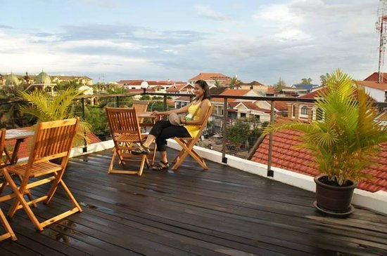 Central Prestige D'Angkor: the rooftop during sunset is excellent!