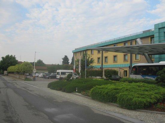Crowne Plaza Milan - Malpensa Airport: Front
