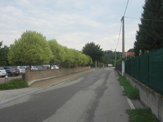 Crowne Plaza Milan - Malpensa Airport: Road outside
