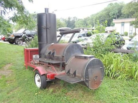 Top of the Hill Grill: Smoker