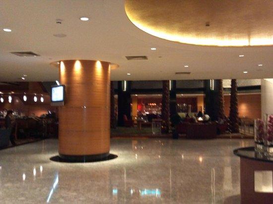 Renaissance Shanghai Yangtze Hotel: LOBBY