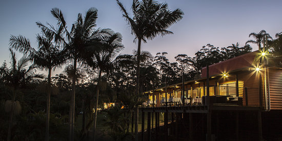Paradise Palms: Beautiful views all around at restaurant
