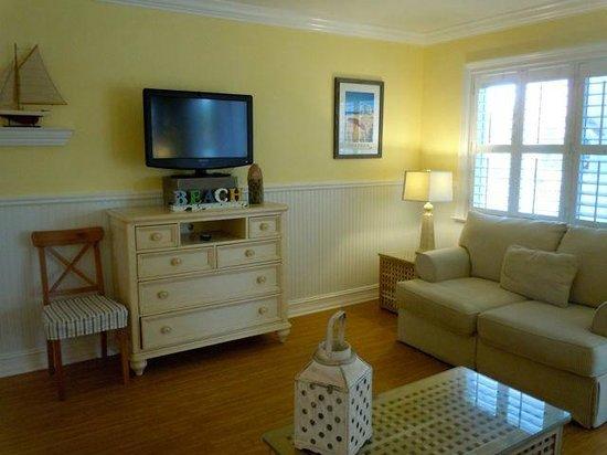 Beachside Village Resort: Living room