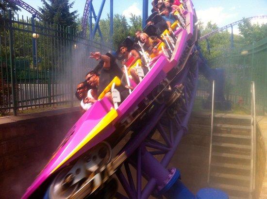 Six Flags New England: Bizarro going underground