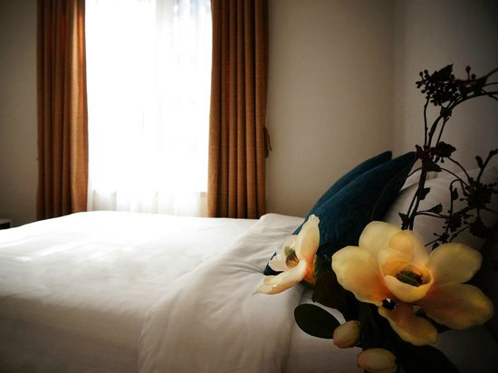 Lexvill Residence: Deluxe bedroom