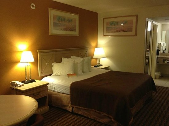 Knights Inn Salina: Queen Sized Bed