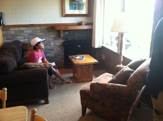 Chimney Corners Resort: lakefront #4