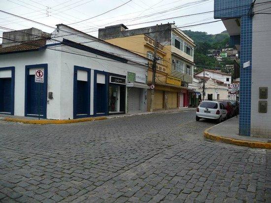 Hotel Mendonca: Rua proxima ao hotel.