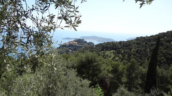 Domaine Pins Paul: Breathtaking view of Eze le village from the room Cap Ferrat