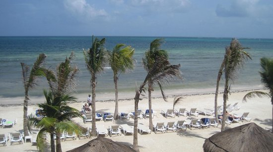 Azul Beach Resort Sensatori Mexico: Beach view from the room