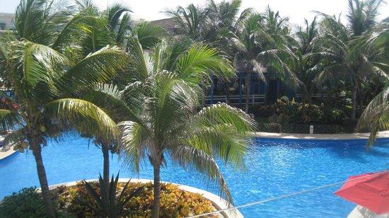 Azul Beach Resort Sensatori Mexico: More of the grounds