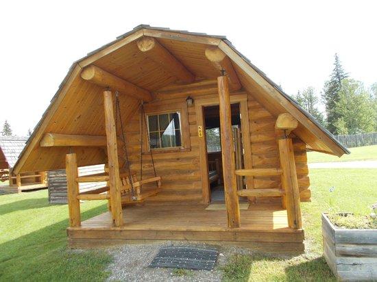 KOA Hinton/Jasper : Beautiful little cabin!