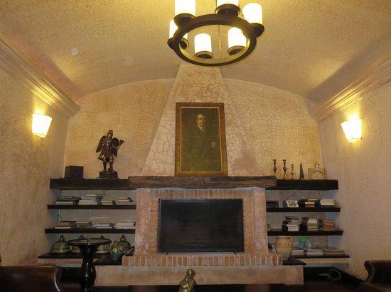 El Convento Boutique Hotel: Reading/Resting Area