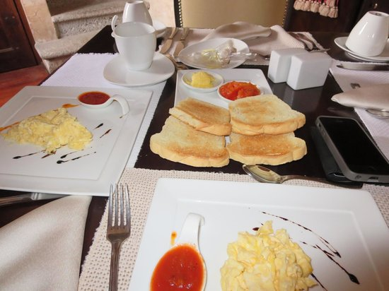 El Convento Boutique Hotel : Continental Breakfast