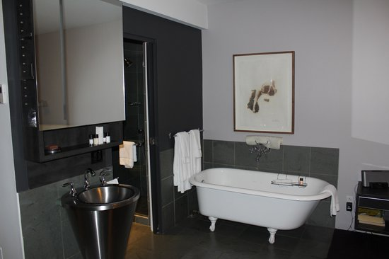 Hotel Le Priori: Bath-tub