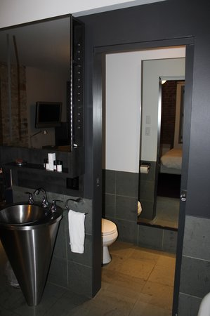 Hotel Le Priori: Bathroom