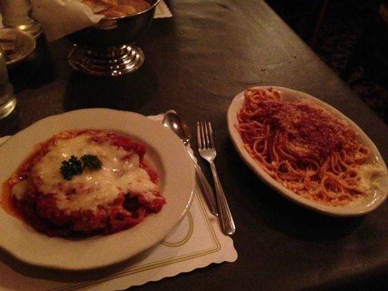 Cunetto House of Pasta : Petto di Pollo alla Parmigiano