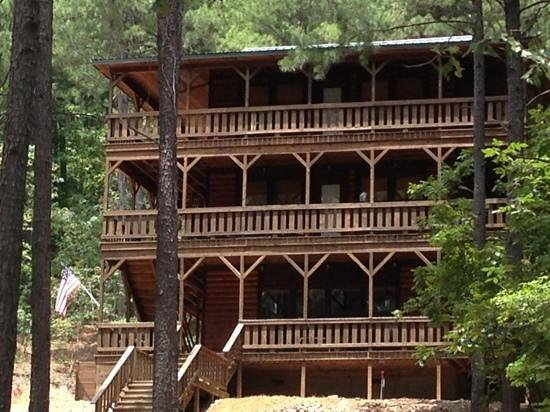 Beavers Bend Log Cabins : gorgeous cabin down the road from ours