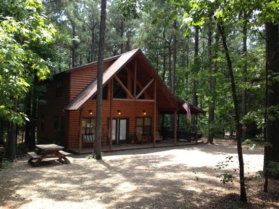 Beavers Bend Log Cabins: Neighbor Cabin