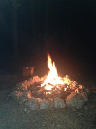 Beavers Bend Log Cabins : nothing like music, wine, and a good fire
